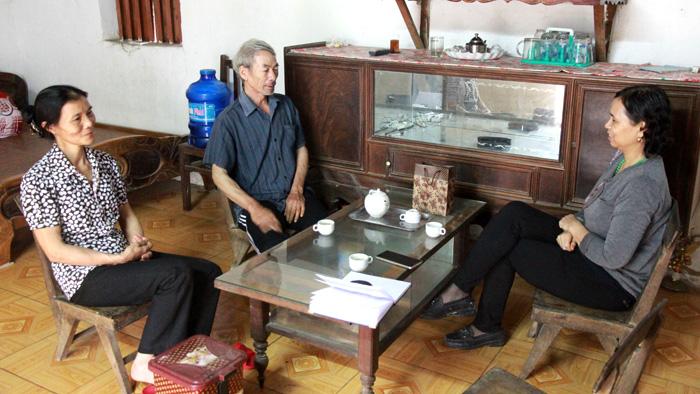 """Vợ chồng ông Nông Viết Chương coi lương y Nguyễn Quý Thanh như """"Thánh sống"""""""