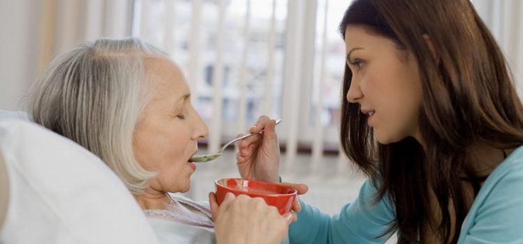 Cách chăm sóc giúp người cao tuổi bị tai biến nhanh chóng phục hồi