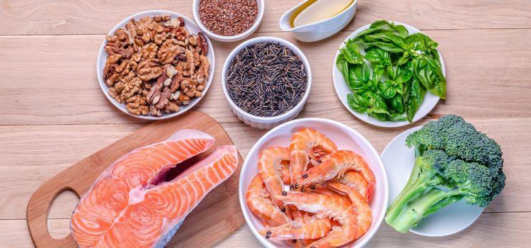 5 Nhóm thực phẩm giúp ngăn ngừa tai biến ai cũng nên biết