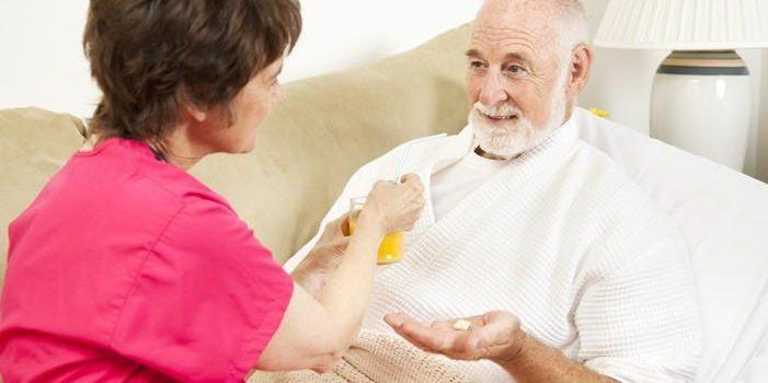 Hướng dẫn cách chăm sóc người bệnh sau tai biến mạch máu não tại nhà