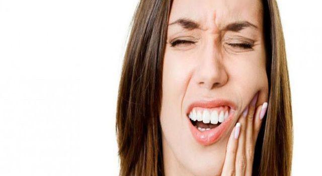 Cảnh báo: Vệ sinh răng miệng kém có thể gây đột quỵ não